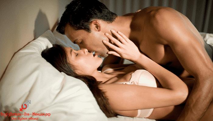Фото темноволосая пара занимается сексом под действием женского возбудителя